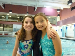 girls-at-pool-theater-camp