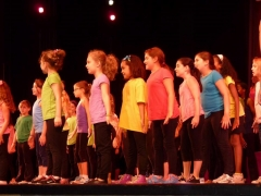 girls-broadway-spectacular-theater-camp