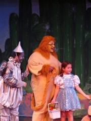 lion-tin-dorothy-theater-camp
