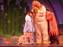 crying-lion-wizard-of-oz-theater-camp