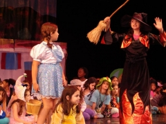 dorothy-and-witch-wizard-of-oz-theater-camp
