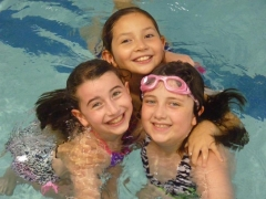 girlfriends-swimming-theater-camp