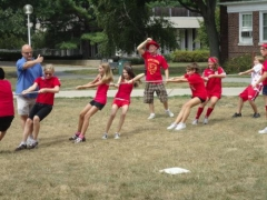 tug-of-war-at -theater-camp